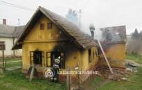 Kiégett egy ház Oltárcon
