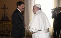 M1: Magyarországra látogat Ferenc pápa