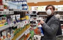 Koronavírus - Elemzők: a járvány keltette felvásárlási pánik pár hónapig még segítheti a kiskereskedelmi forgalom növekedését