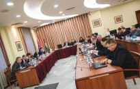 A párbeszéd hivatalos fóruma a közgyűlés!
