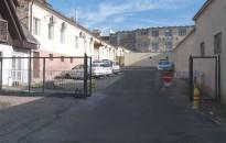Megszűnik a parkolás a városháza hátsó udvarában
