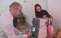Ingyenesen vizsgálták meg a csapi térségi iskolában tanulók látását