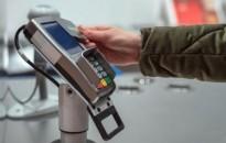 Tizenötezer forintra nő a PIN-kód nélkül engedélyezett, érintéses fizetések határa