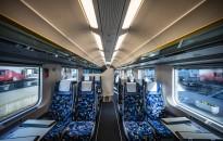 A helyjegyek ellenére is távol kell egymástól ülni a vonatokon