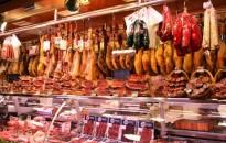 Húsvét - A füstölt húsok piacán az ellátás zavartalan, emelkedhetnek az árak