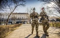 Tájékoztatnak, segítséget nyújtanak, és amennyiben szükséges, biztosítják a rendet - a katonák feladatai veszélyhelyzet idején