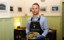 GasztroKanizsa: Sonkás-sajtos panini zöld salátával