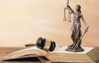 A bírósági épületekben tartózkodás rendjének különleges előírásai