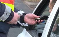 Húsvét - A rendőrség ellenőrzi és kiszűri a forgalomból az ittas sofőröket