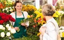 Köszönésben elitszinten a magyar eladók – Tíz vevőből nyolcra rámosolyognak a hazai üzletekben