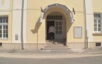 Megállt az élet a Móriczban, de a felújítási munka zajlik
