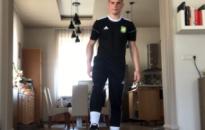 Online és otthoni foci