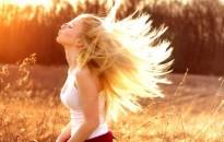 Hogyan védjük a hajunkat nyáron?