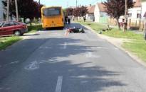 Busszal ütközött egy segédmotoros Zalakomárban
