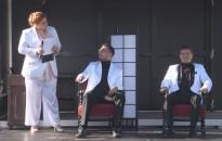 Szabadtéri színházi előadás az Erzsébet téren