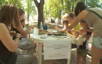 Szabadtéri szakkör az Eötvös téren