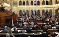 Ne legyen jogállami feltételekhez köthető a kedvezményes EU-hitel – A parlament szavazni fog erről