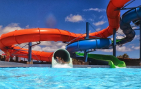 Gyermektáborokat és aquaparkokat vizsgált a fogyasztóvédelem
