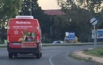 Az ország egész területén vásárolhatunk otthonról is az Auchanból