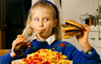 A karantén alatt a gyerekek 40 százaléka többet evett