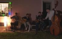 Ismét jazz a teraszon: a Les Pommes de Terres zenélt az érdeklődőknek