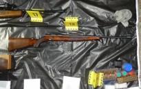 Nagy mennyiségű lőport, lőszert és fegyvereket találtak egy német férfi zalai otthonában