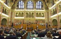 Ma kezdi meg őszi ülésszakát a parlament