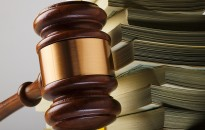 Iratkaranténba kerülnek az ügyészségen a papíralapú dokumentumok