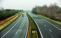 Öt kamion ütközött az M70-es autópályán a Letenye felé vezető oldalon