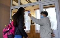 Nevelési intézmények: Csütörtöktől belépés csak testhőmérőzés után