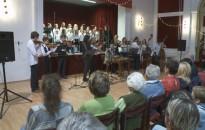 A zeneiskolások is hangolódnak az ünnepre