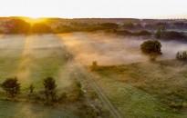 Napközben 20 fok körüli, de hajnalban többfelé 5 fok alatti értékek várhatók a hétvégén