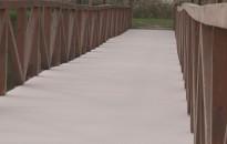 Új burkolatot kapott a Csónakázó-tavi híd