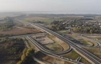 Átadták az M76-os gyorsforgalmi autóút 5,6 kilométeres szakaszát