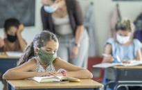 A digitális oktatás hatékonysága életkorfüggő, ahol csak lehet, nyitva maradnak az általános iskolák és óvodák