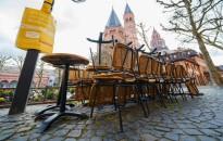 Közel felére csökkent a német vendéglátóipar forgalma a járvány miatt