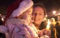 Amíg a Jézuska meghozza a karácsonyfát...