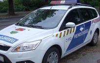 Halálos baleset történt az M70-es egyik pihenőhelyén Csörnyeföldnél (Frissítés: Szolgálatot teljesítő rendőr hunyt el a balesetben)