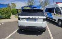 Lopott Range Roverrel bukott meg a román sofőr