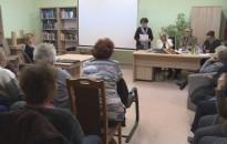 Szülőfalujában tartott írói estet Csicsek Anna