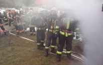Közösen gyakoroltak a füstben az önkéntes és hivatásos tűzoltók