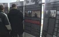 Délvidéki Magyar Golgota – A Cserháti-iskolába érkezett a vándorkiállítás