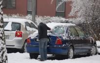Öt tipp a biztonságos téli autóvezetéshez