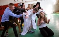 Zenés dicsőítés a Piarista-iskolában