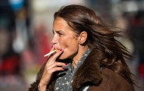 Szakértő: vakságot is okozhat a dohányzás