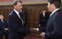 Miniszterhelyettesként folytatja – Átvette kinevezését Cseresnyés Péter