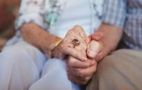 Költségvetés - Januárban 2,7 százalékkal emelik a nyugdíjakat