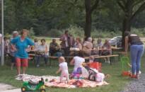 A természet lágy ölén piknikeztek a bajcsai nyugdíjasok