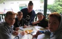 Kistolmácson táboroznak a roma és hátrányos helyzetű fiatalok