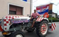 A traktor vasárnap is előkerült...